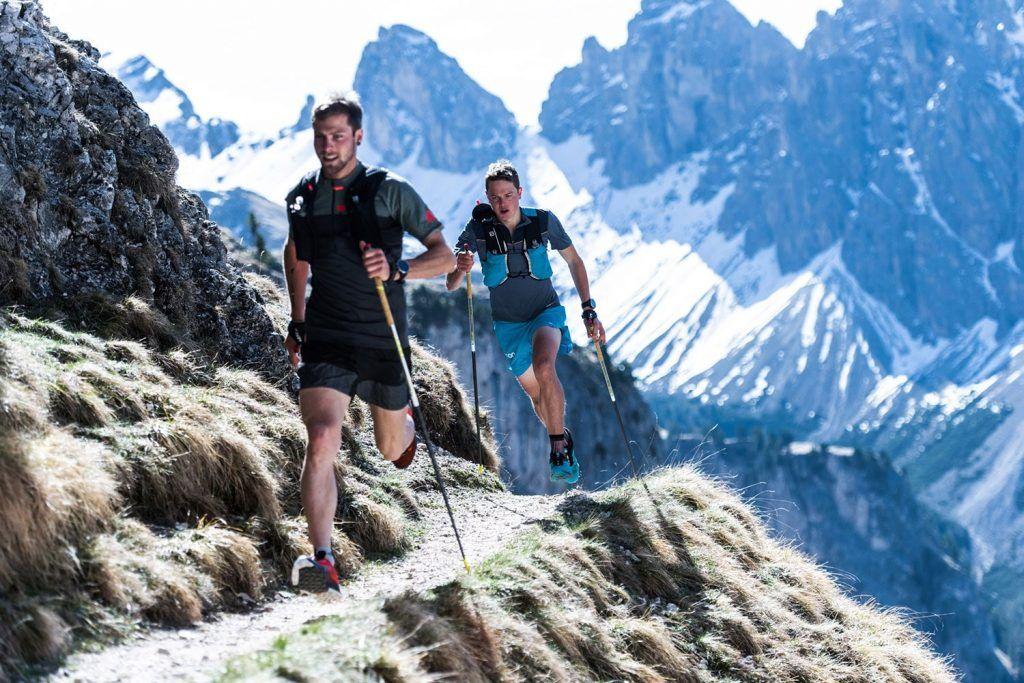 0b57b4290bc Los bastones de trail running son unos de los elementos dentro de nuestro  equipamiento cuyo uso se ha ido extendiendo cada vez más a lo largo del  tiempo y ...