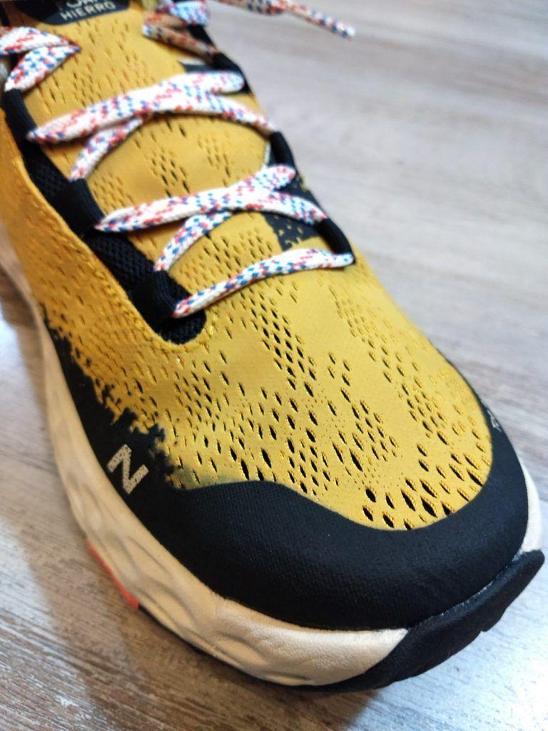 A examen las zapatillas de trail running NEW BALANCE HIERRO V5. 5